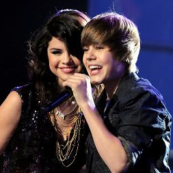 Malicious Facebook Post-Justin Bieber Selena Gomez Outdoor S3x Video